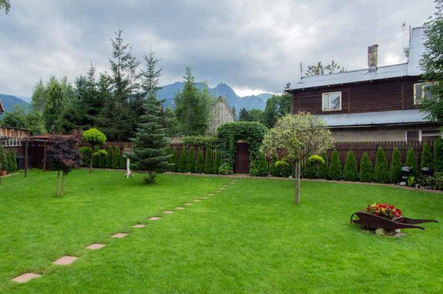 Willa I Na Lipkach, dom i ogród